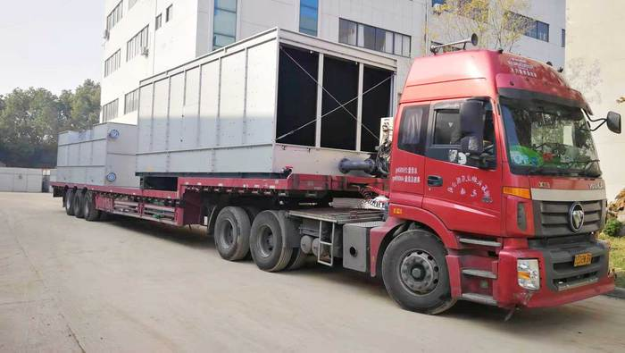 运输冷却塔货车.jpg